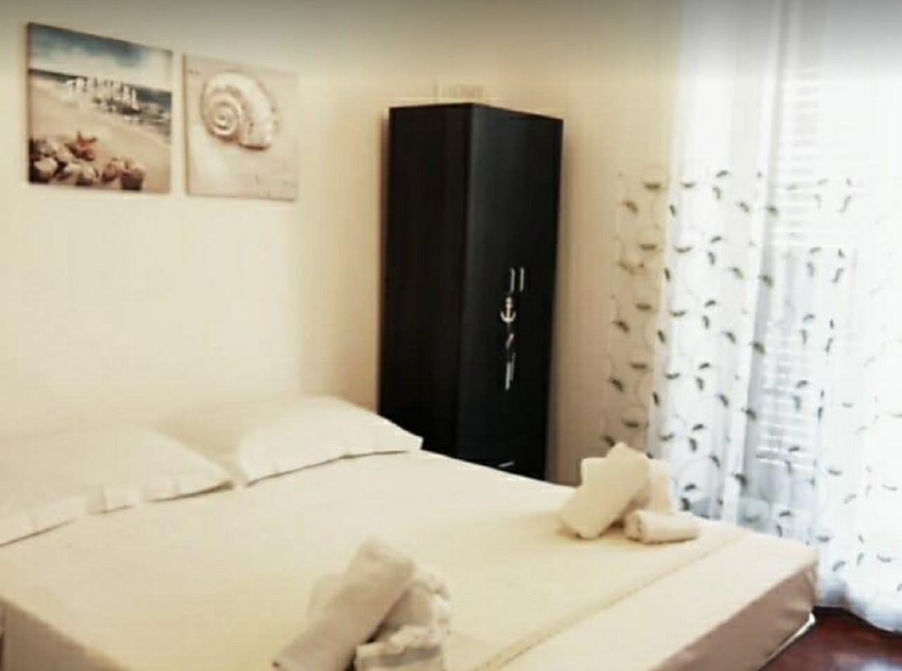 Patti Rooms 2